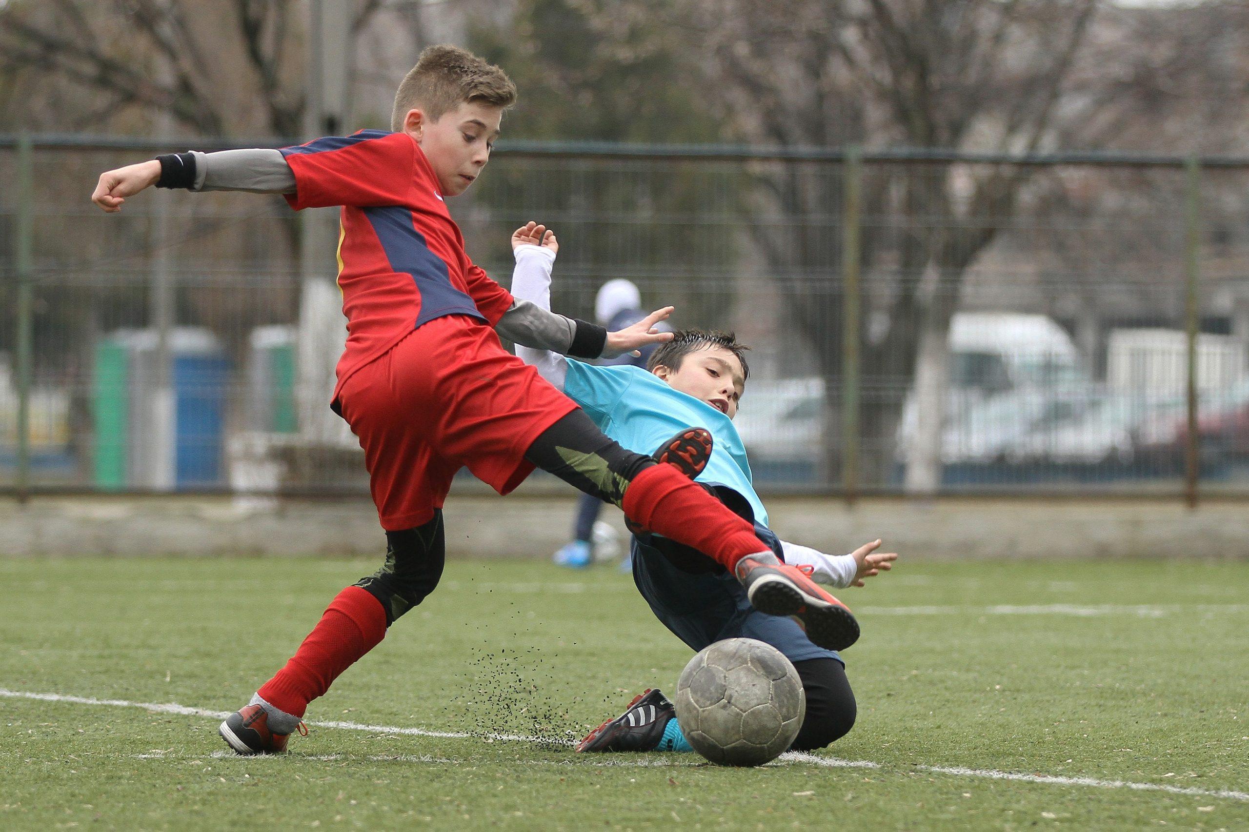 أكاديمية كرة القدم للناشئين