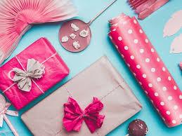 طريقة تغليف الهدايا